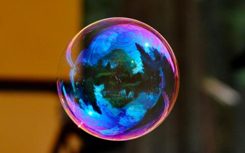 Sai perché…. le bolle di sapone sono sferiche?