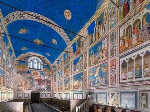 Giotto dipinge il cielo azzurro?